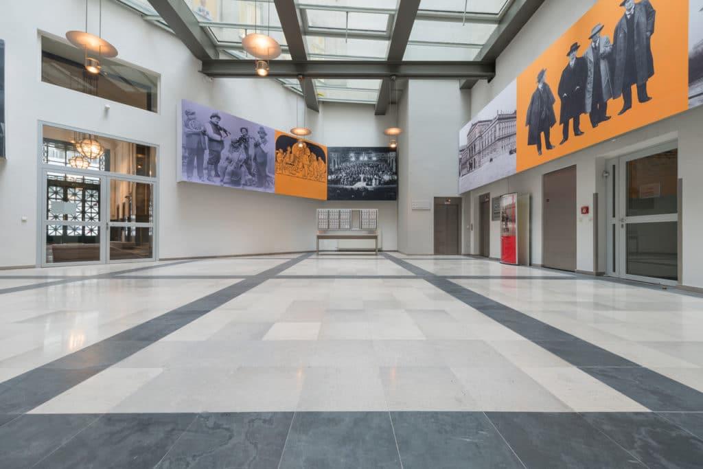 Grauer Kalksteinboden im Palais Fanto Wien – 3