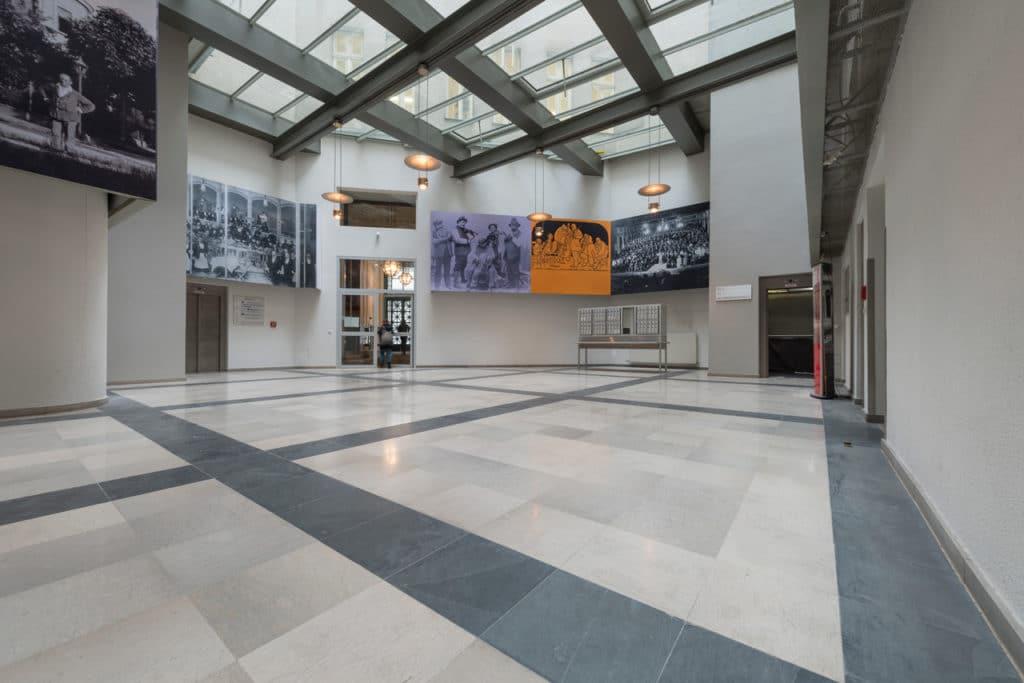 Grauer Kalksteinboden im Palais Fanto Wien – 4