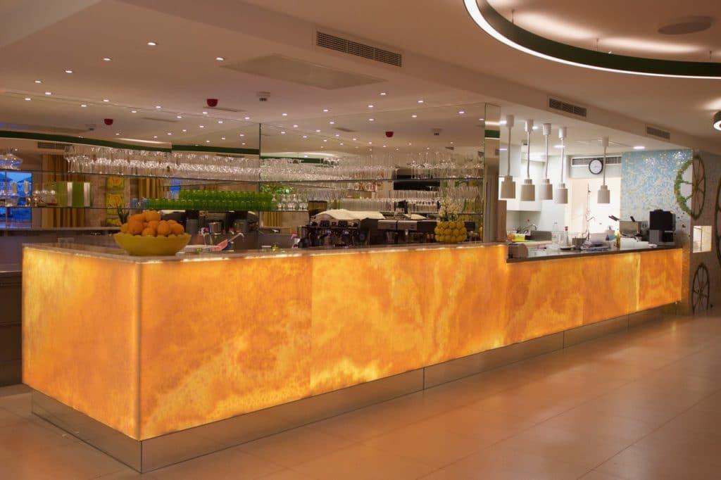 Onyxbar im Restaurant-2