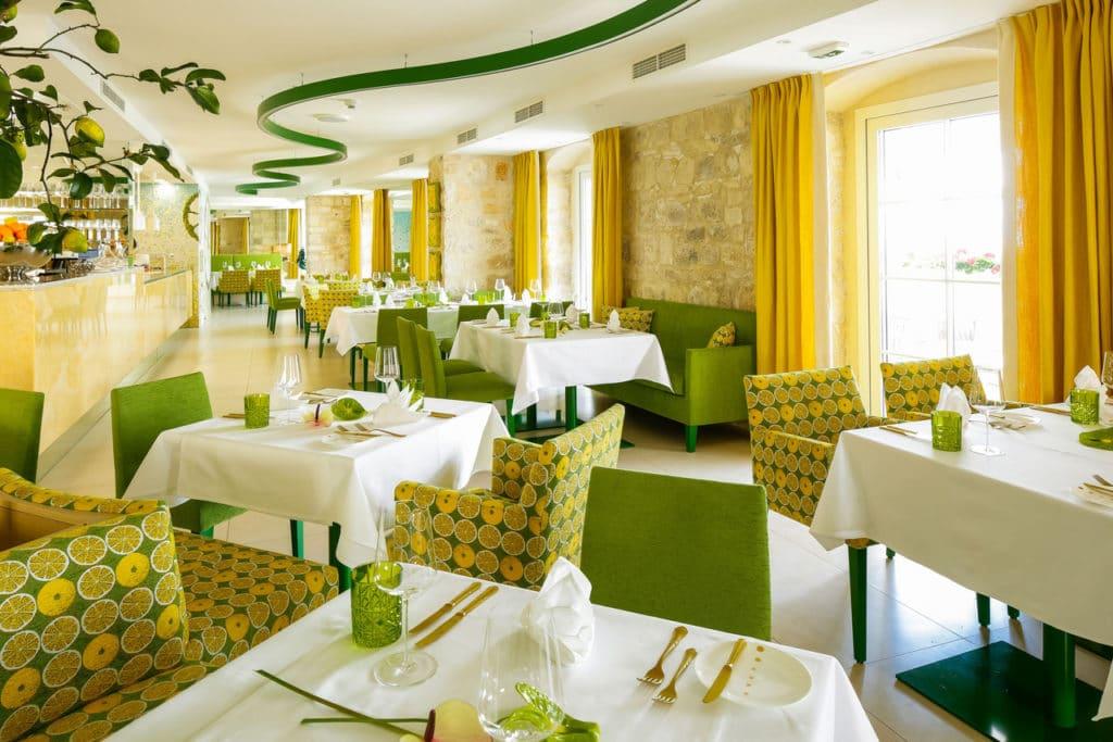 Restaurant Innen Tische (6)