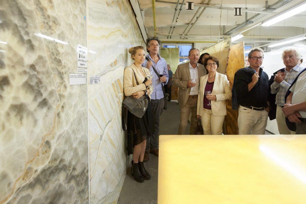 Steinplatten und Onyx Ausstellung im Steinzentrum SCHUBERT STONE Wien