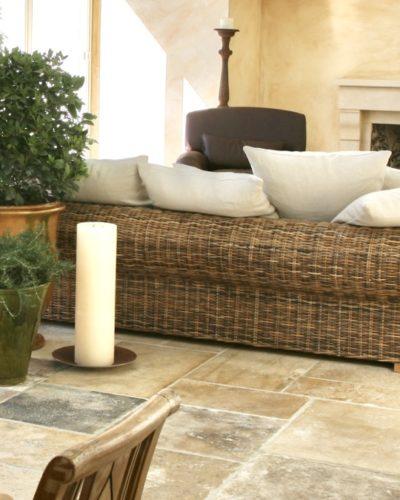 Steinfliesen natur für Wohnzimmer